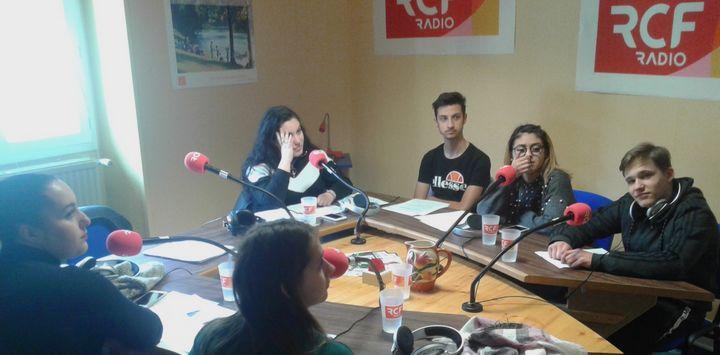 Six élèves du Lycée Val de Drôme à l'antenne de RCF